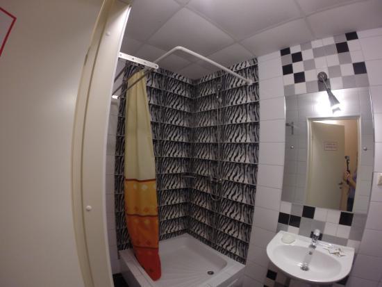 Zebra Hostel : Ванная