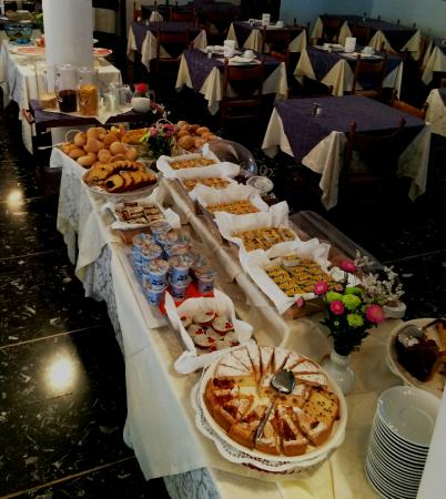 Hotel Savoia: breakfast