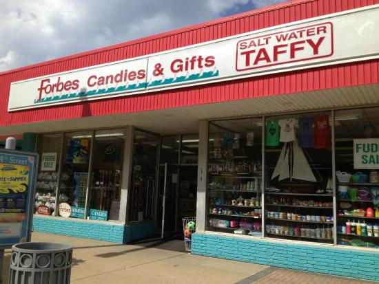 Forbes Candies In Virginia Beach