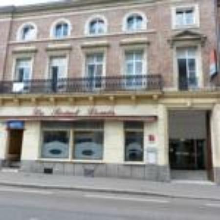 Hotel Le Saint Louis: facade