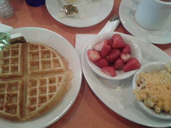 Amy ruth 39 s waffles picture of amy ruth 39 s home style for Amy ruth s home style southern cuisine