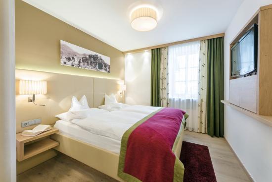 Genussdorf Gmachl - Hotel & Spa: Gemütliche Zimmer zum Krafttanken