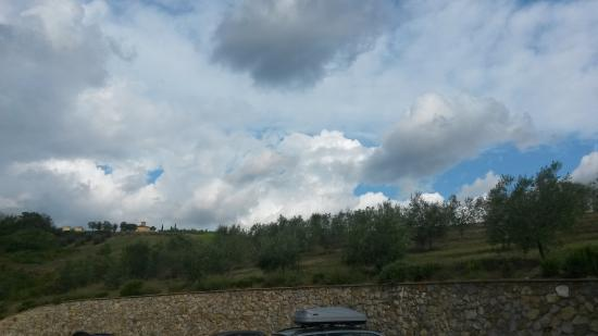 Montespertoli, Italien: vue du parking