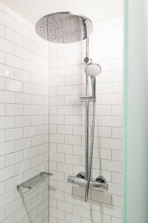 pentahotel Trier-Europahalle: Bathroom
