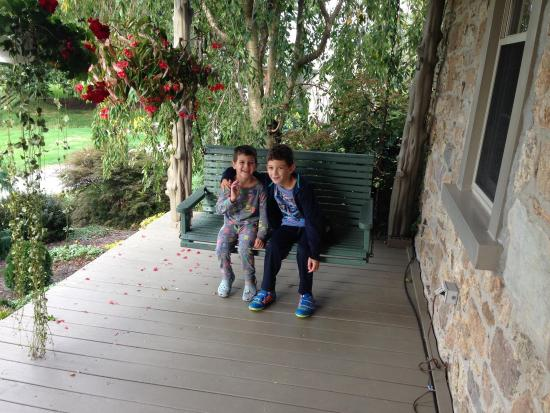 The Olde Stone Guesthouse : Kids had the best time