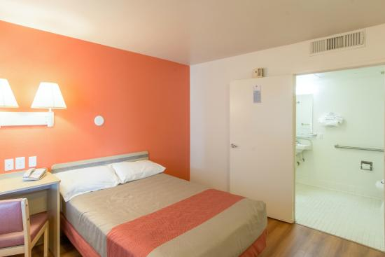 Motel 6 Redding North: Guest Room