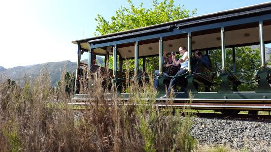 Franschhoek, Sudáfrica: The tram - for 2 of the estates