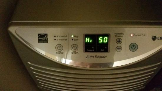 Hampton Inn Gainesville : Dehumidifier