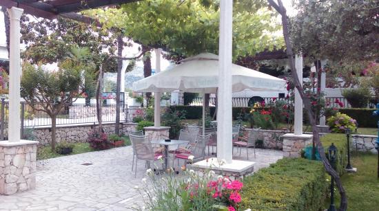 Hotel Metkovic: terasa