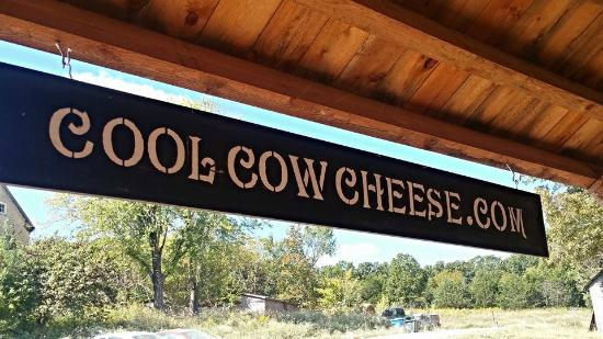 Owensville, MO: The B&B is home to Cool Cow Cheeses.