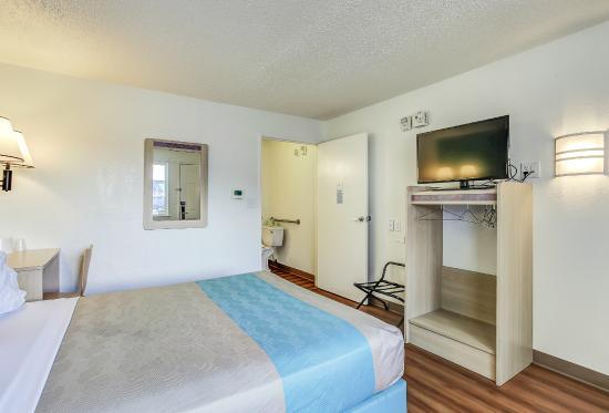 Motel 6 Coos Bay: Guest Room