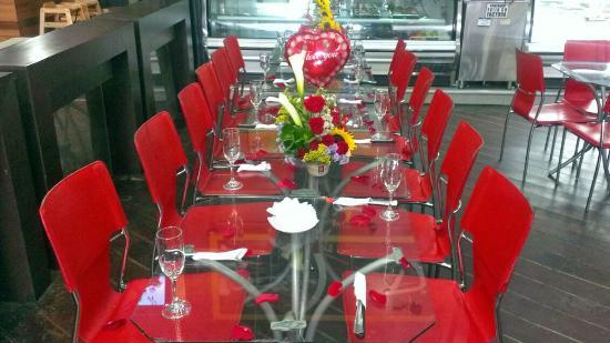 D'angelos Pasteleria & Restaurant