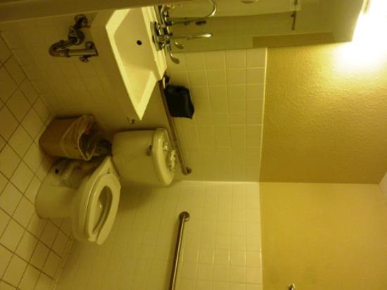 Ocean Spray Hotel: Kamar mandi