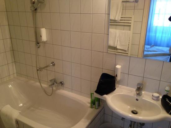 Hotel Krone: Bathroom Room Nr 5