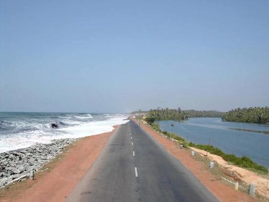 Kundapur, Indien: The highway