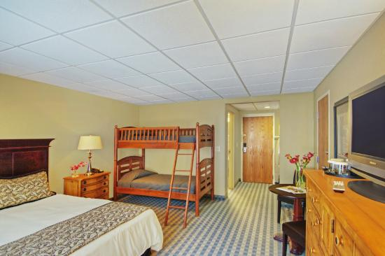 The Pointe at Castle Hill Resort: Family Room