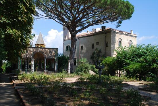 Villa cimbrone picture of villa cimbrone gardens ravello tripadvisor - Giardini di villa cimbrone ...