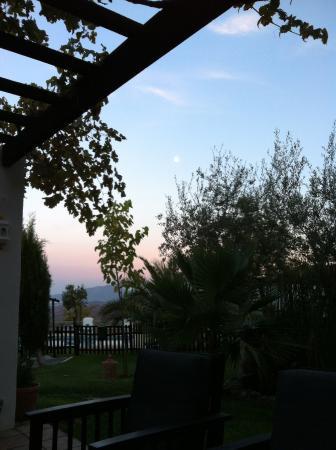 Hotel Cerro de Hijar: Sunset. Taken mid- Sangria.