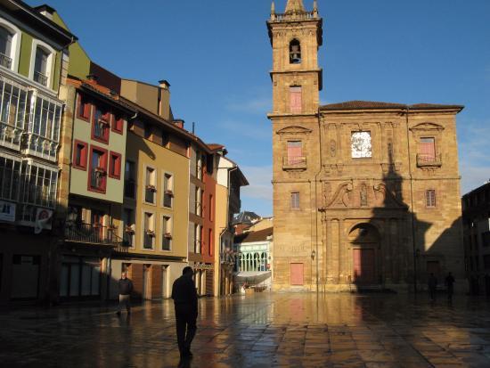 Parroquia de San Isidoro El Real : Церковь