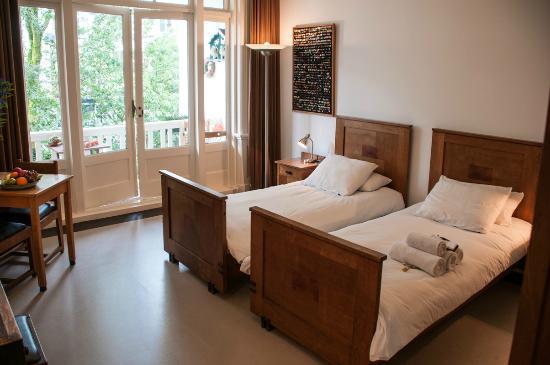 The Collector Bed & Breakfast: Amsterdam School Room