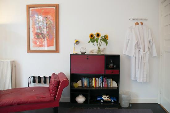 The Collector Bed & Breakfast: Clock Room