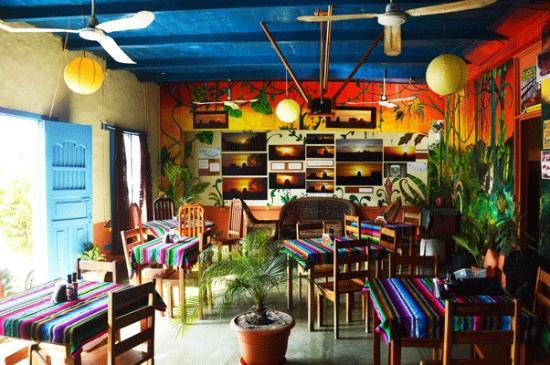 Cafe Arqueologico Yaxha: Restaurant