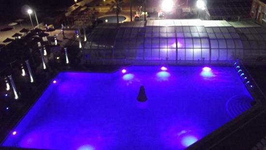 Hotel Entremares: La piscina que cambia de color