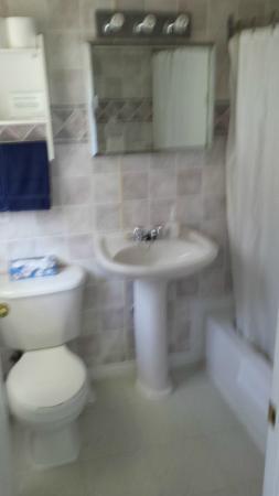 The Sunshine Inn : Bathroom