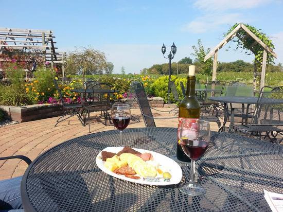 Kimball, MN: Beautiful patio setting
