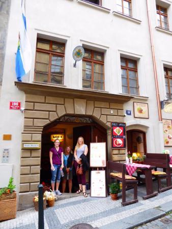Residence Thunovska 19: Hotel Entrance