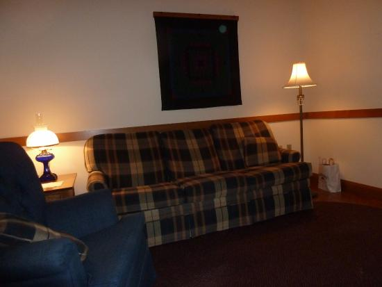 Oak Ridge Inn: Sitting room in the Schrock Suite