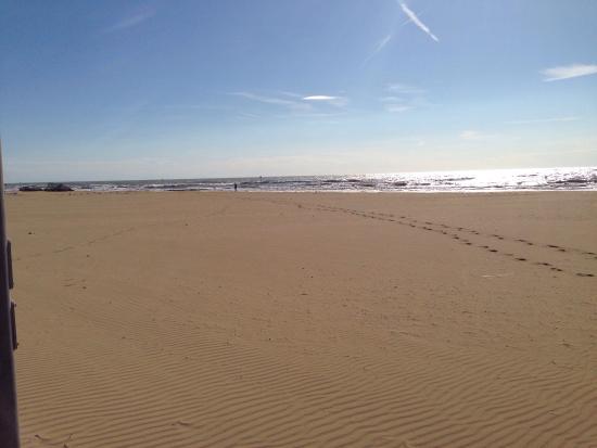 Location Matrimoni Spiaggia Jesolo : Strand jesolo ende september räumen viele ihre schirme