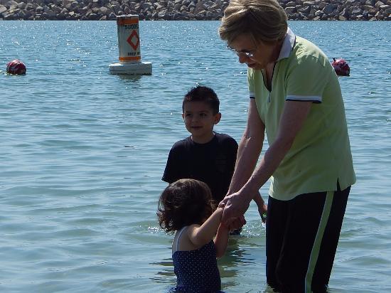 """Dana Point, Kaliforniya: Grandbabies and """"Mutti"""""""