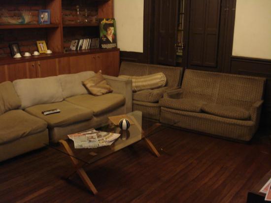 Santiago Backpackers Hostel: Sala de TV