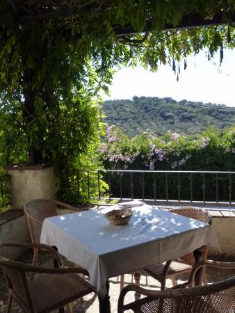 Hotel Posada de Valdezufre: Terrace