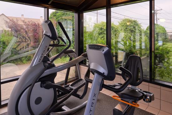 BEST WESTERN Inn of St. Charles: Fitness Center