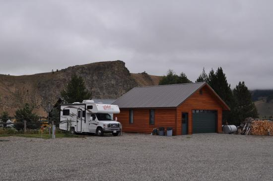 Valley Creek Lodge: The RV Bay