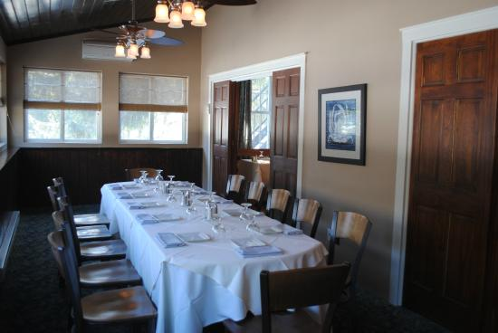 The Frogtown Inn: Sunroom/Private Dining Room