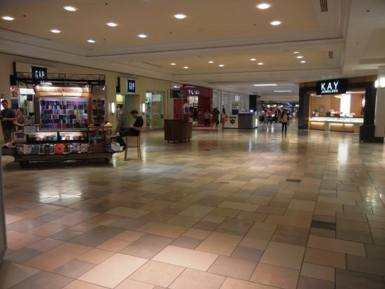 Newington, Nueva Hampshire: The Mall at Fox Run