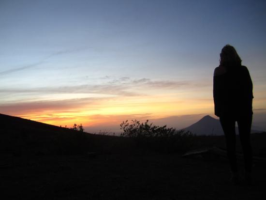 Sonati - Day Tours: El Hoyo view