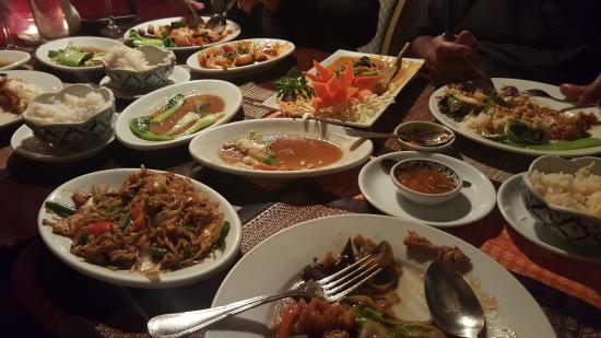 Chiang Mai Cottage: Selection of main dishes