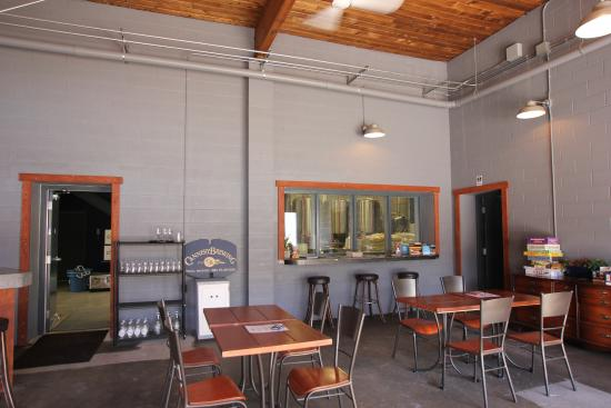 Cannery Brewing: Tap room