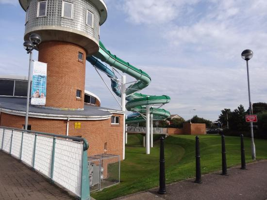 flumes picture of beacon leisure centre burntisland