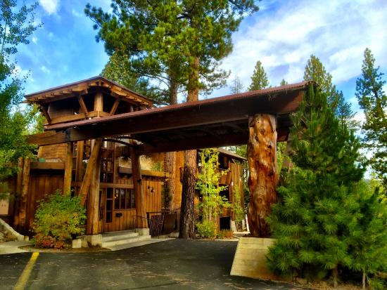 The Cedar House Sport Hotel: I would call the architectural style 'Alpine Modern'