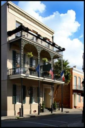 Lafitte Guest House: Front of the LGH
