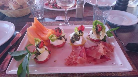 La Napoule, Frankrig: Jambon cru & tomates mozza