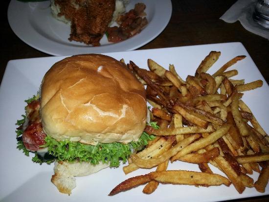 Catfish & veggie sandwich-excellent!
