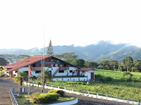 Hotel Los Héroes: Vista del hotel