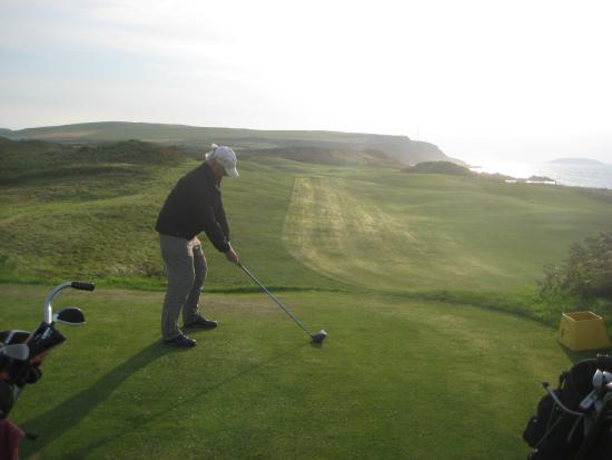 Machrihanish, UK: Mach. Dunes #6 Tee.