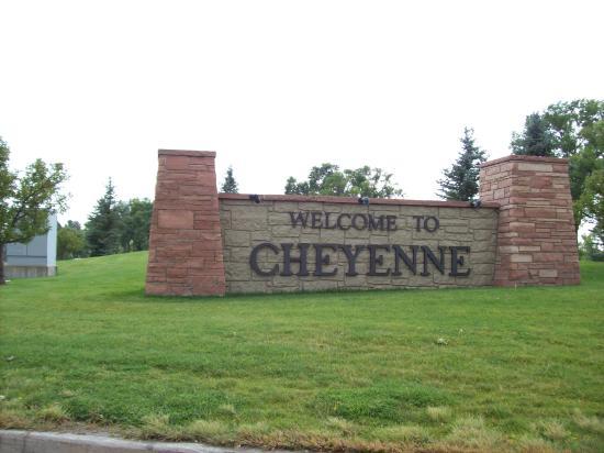 Cheyenne Botanic Gardens : Entering Cheyenne, Wyoming